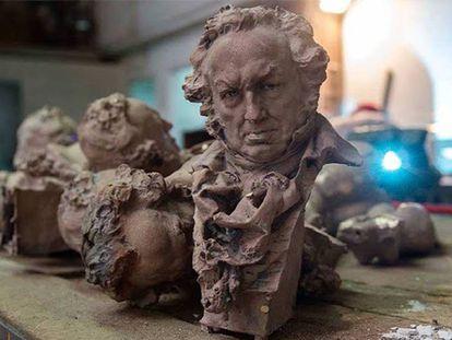 Estatuilla de los premios Goya.