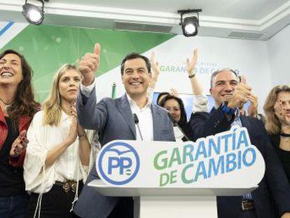 El desembarco del partido de extrema derecha y el ascenso de Ciudadanos dan a los populares su primera opción de gobernar Andalucía
