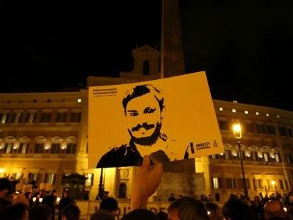 Una pancarta con la imagen de Giulio Regeni, el 25 de enero de 2017 en Roma.