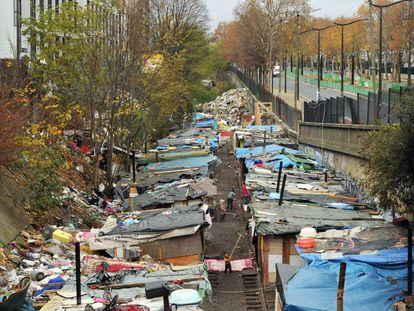 Campamento chabolista de Ney, a las puertas de París, alberga sobre todo a rumanos