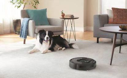 El modelo i7+ funciona sobre tarima, suelos de cerámica o alfombras de pelo largo