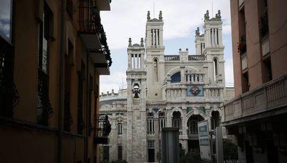 Hospital de Jornaleros de Maudes, obra de Antonio Palacios, que este año cumple un siglo.