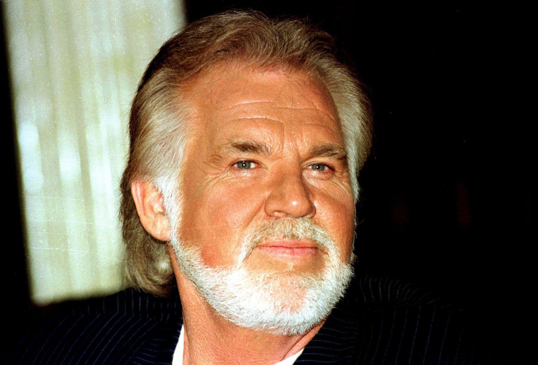 Kenny Rogers en 1996 en Londres durante una rueda de prensa.