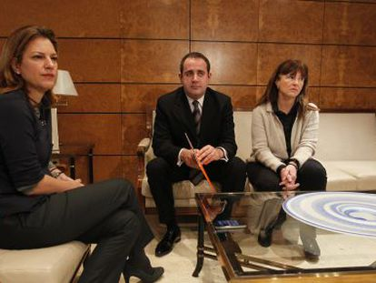 Paula Sánchez de León, Jorge Alarte y Cristina Moreno, esta mañana.