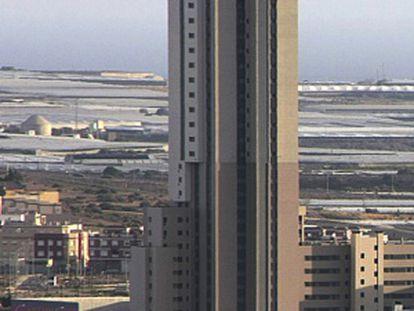 La torre de 104 metros construida en El Ejido (Almería).