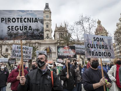 Protesta del sector de la pirotecnia valenciana por la reducción de espectáculos a causa de la covid-19.