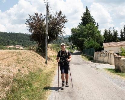 Rémy Bourdon, un joven que realiza el camino desde Golfe-Juan hasta Grenoble siguiendo la ruta de Napoleón.