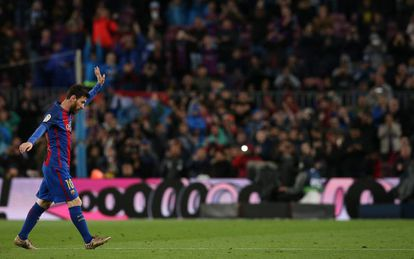 Messi, tras ser sustituido ante Osasuna.