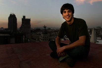 Alejo Sauras, aficionado a los altos vuelos, en los tejados de Madrid el pasado jueves.