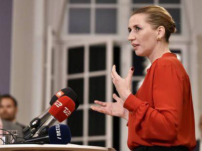 La líder de los socialdemócratas daneses, Mette Frederiksen, anuncia el acuerdo de Gobierno este miércoles en Copenhague.