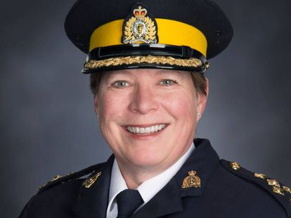 Brenda Lucki, la primera mujer que dirigirá la Policía Montada de Canadá.