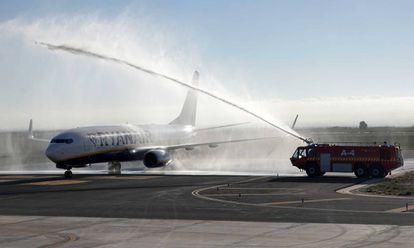 Bautismo de la llegada del primer vuelo de Ryanair.