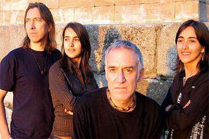 Marlon Klein (izquierda), Tomás San Miguel, Maika y Sara.