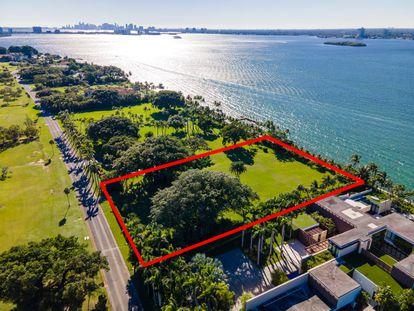 Marcada en rojo la parcela que Ivanka Trump y Jared Kushner han comprado en Indian Creel, Miami.