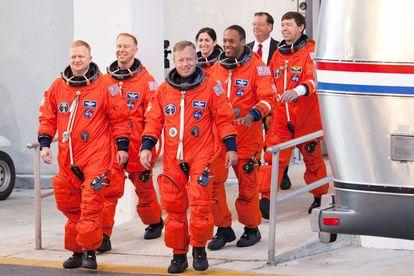 Un grupo de astronautas participan en un ensayo de lanzamiento en 2010