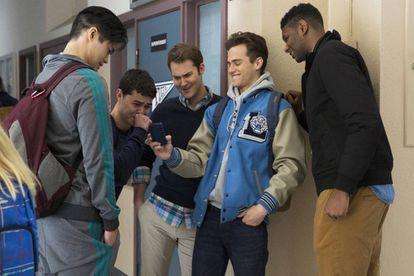 El machismo, amplificado por las redes sociales, es uno de los ejes de la serie.
