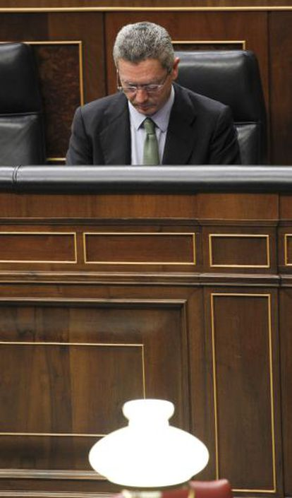 El ministro de Justicia, Alberto Ruiz-Gallardón, ayer en el Congreso.