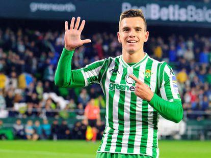 Lo Celso celebra un gol con el Betis.