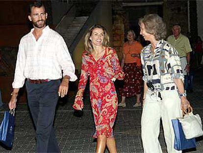Los Príncipes de Asturias, a la salida del Museo de Arte Moderno de Palma.