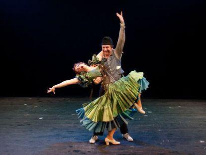 Una escena de 'Ay, Carmela', que se estrena el 29 de septiembre en una teatro de San Petersburgo.