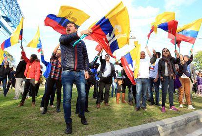 Ciudadanos colombianos que apoyan los acuerdos de paz.