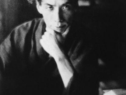 El escritor Ryunosuke Akutagawa, a mediados de la década de 1920.