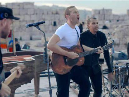 Una imagen de uno de los dos conciertos que la banda dio el viernes en Amán, y que fueron retransmitidos por Internet en 'streaming'.