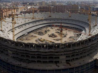 El nuevo estadio de Mestalla, cuyas obras están paradas desde 2009.