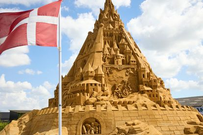 The sand in the castle is reinforced with clay for better holding.