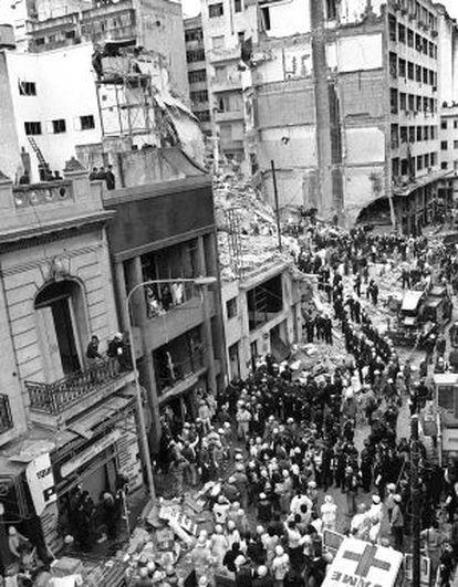 El ataque a la AMIA dejó 85 muertos y 300 heridos.