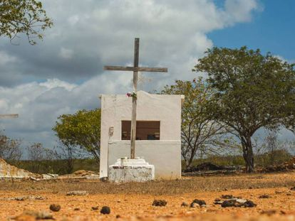 Cementerio del 'campo de concentración' en Senador Pompeu, en el estado de Ceará: ni siquiera los cadáveres de los migrantes se enterraban con los demás.