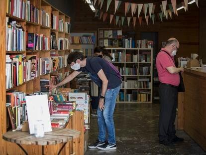 La librería Calders de Barcelona en julio, tras poder reabrir sus puertas por la pandemia.