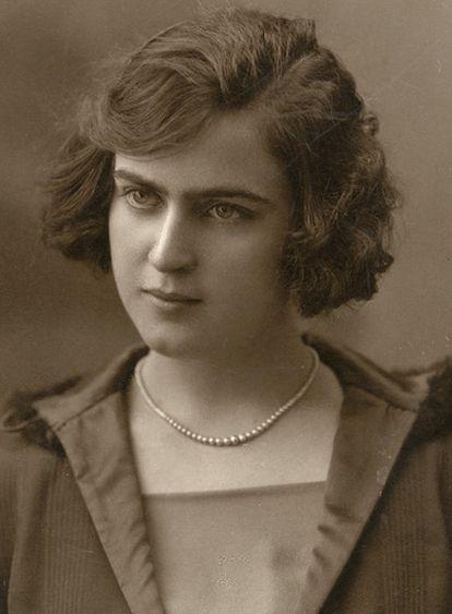 María Luisa Natera y García Lorca se conocieron en un balneario cuando ella tenía 15 años y él 18