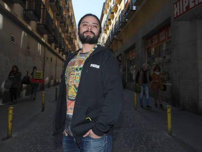 El productor musical y DJ David Gómez, ayer por la tarde en Lavapiés.