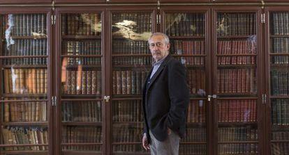Jordi Casassas en la sala Pompeu Fabra del Ateneu Barcelonès