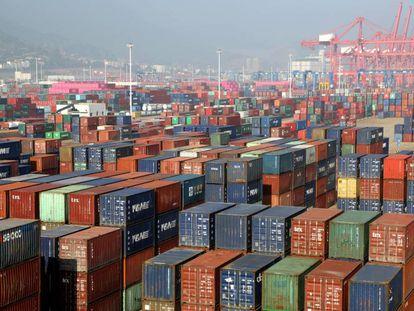 Contenedores en el puerto de Lianyungang, en la provincia china de Jiangsu.