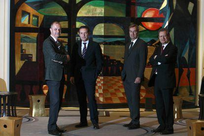 De izquierda a derecha, Romeo Lacerda (Kraft), Rafael Prieto (Peugeot Citröen), Enric Pujadas (Bassat Ogilvy) y Juan Lema (expresidente de Aena).
