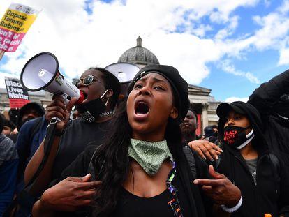 La activista del movimiento Black Lives Matter Sasha Johnson, en una protesta en Trafalgar Square, en Londres, el 13 de junio de 2020.