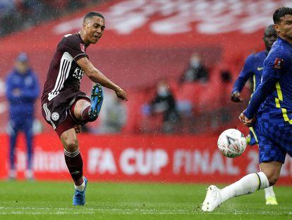 Tielemans remata el 1-0 ante Thiago Silva.