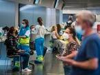 DVD 1054 (17-05-21) Vacunación con AstraZeneca en el Wanda Metropolitano, MAdrid. Foto Samuel Sánchez