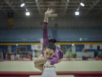 La gimnasta Ana Pérez en el pabellón Amate de Sevilla.