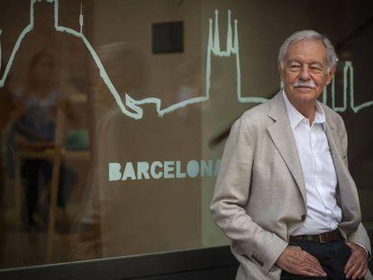Eduardo Mendoza, tras la presentación de 'El Rey recibe', ayer, en Barcelona.