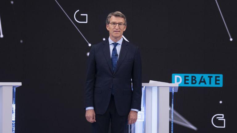 El presidente de la Xunta de Galicia y candidato a la reelección por el PP, Alberto Núñez Feijóo, en el debate televisivo. CRTV
