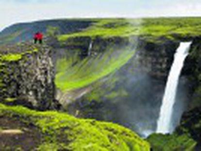 Partiendo de la bulliciosa Reikiavik, un recorrido circular por Islandia entre escenarios cinematográficos y paisajes de otro mundo