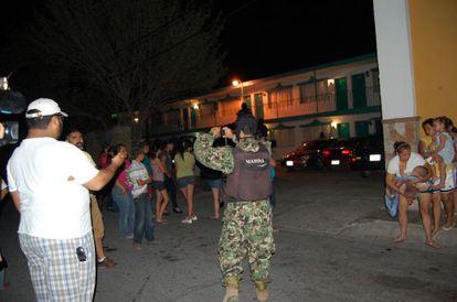 Imágenes de las detenciones por la Marina en junio de 2011 de seis hombres que nunca han vuelto a aparecer.