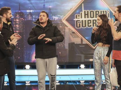 La cantante Rosalía, Dani Martín, David Broncano y Pablo Motos este lunes en 'El Hormiguero'.