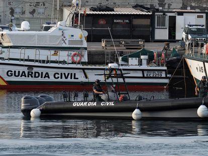 Imagen de varias patrulleras de la Guardia Civil atracadas en el muelle de Santa Cruz de Tenerife.