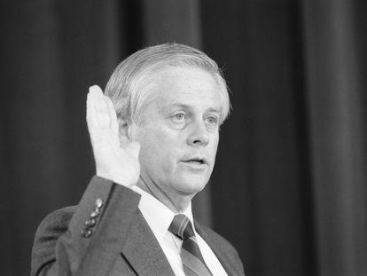 Allan McDonald, antes de testificar ante el comité del Congreso que investigaba el accidente del 'Challenger'.