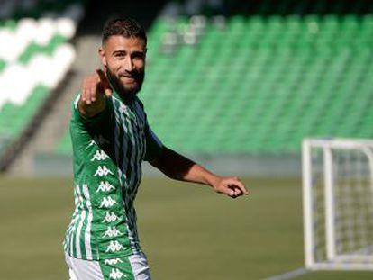 Tocado por su frustrado fichaje por el Liverpool, dijo sí al Betis seducido por el fútbol español y el deseo de dejar Lyon