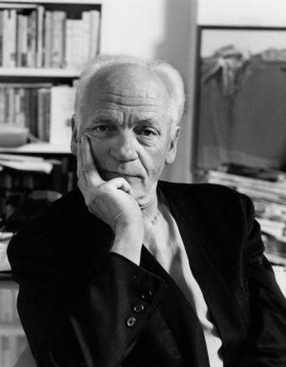 El poeta francés Alain Jouffroy en 1995.